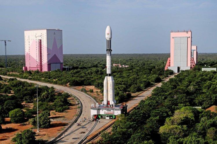 ISRO EOS-03: इसरो की सैटेलाइट लॉन्चिंग नहीं हुई पूरी, क्रायोजेनिक स्टेज में तकनीकी गड़बड़ी