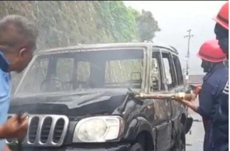 हिंसा के बाद मुख्यमंत्री के घर पेट्रोल बम से हमला, गृहमंत्री ने दिया इस्तीफा