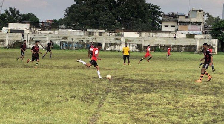 अंकुश मरावी की हैट्रिक से खेल एवं युवा कल्याण विभाग ने रब्बानी को दी 7 गोलों से मात